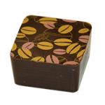CAFÉ NOIR : Praliné amandes aux arômes de café.